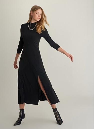 NGSTYLE Yırtmaçlı Uzun Örme Elbise Siyah